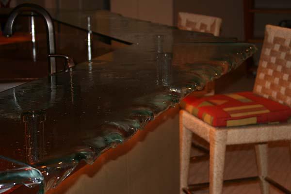 Dripping Glass Bar Design